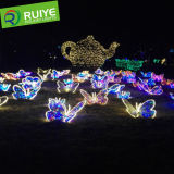 정원 훈장이 LED 나비 요전같은 커튼에 의하여 점화한다