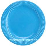 Placas de papel disponibles para la comida campestre del Bbq de los partidos fuera del alimento