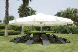 PE Rattan Chaise Lounge avec Outdoor Furniture Set Parapluie Meuble de Jardin