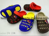L'ultimo giardino dei bambini di Softable calza i sandali di estate