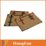 Bolsa de papel de Kraft del estilo de la manera con la impresión de la insignia