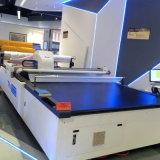 Tuch Tmcc-2025, das automatische Maschinen-gerade Messer-Shirt-Gewebe-Ausschnitt-Maschine schneidet