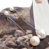 La catena sottile degli orecchini di goccia della Simulare-Perla ciondola Earings