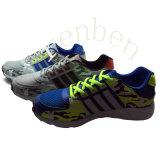 Pattini casuali della scarpa da tennis dei nuovi uomini popolari arrivanti