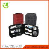 医学の上昇の屋外のハイキングの緊急時の救急箱
