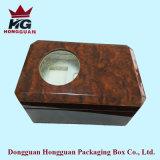 El rectángulo de regalo de madera para el reloj
