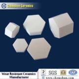92% e 95% da telha cerâmica resistente à abrasão Square para Sistema de Transporte em Indústria do Cimento