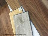 De houten VinylBevloering van pvc van Clik van de Korrel