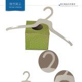 Kleid-preiswerte Wegwerfplastikaufhängungen Wholesale