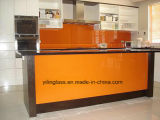 Il reticolo di colore ha stampato il vetro del piano di sostegno della spruzzata della parete della cucina
