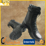 黒く完全な本革の警察の安全靴