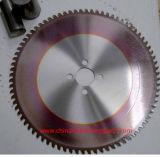 O metal que corta a circular viu as lâminas
