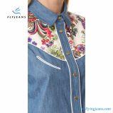 Camisas largas del dril de algodón de la funda del nuevo estilo con azul claro por los pantalones vaqueros de la mosca