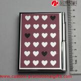 Mini cuaderno del metal del corazón de la cubierta dura clásica del modelo