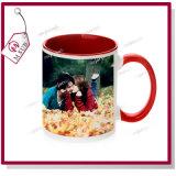 tazza di caffè di ceramica di colore interno di sublimazione 11oz per la promozione