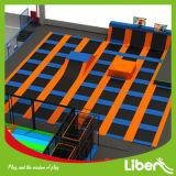 バスケットボールたがの製造者が付いているカスタマイズされたデザイン使用できる屋内トランポリン公園