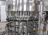 Máquina de rellenar del licor automático de la botella de cristal