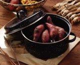 楕円形のトルコのロースターまたはポテトのロースターかトウモロコシのロースター