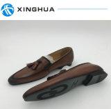 Kleid-Schuhe der Männer verwendet von Leather