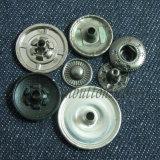 Кнопка кнопки металла Matt черная обыкновенная толком для одежды
