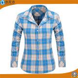 Flannel 셔츠가 여자 면 격자 무늬의 셔츠 블라우스 긴 소매에 의하여 꼭대기에 오른다