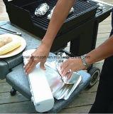 Держите крен алюминиевой фольги домочадца еды очень вкусный
