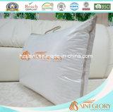 El pato blanco de la alta calidad abajo empluma la pieza inserta de la almohadilla