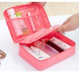 Kosmetische Zak van de Make-up van de Reis van de Ritssluiting van de Compartimenten van het Handvat van de luxe de Waterdichte Veelvoudige Nylon