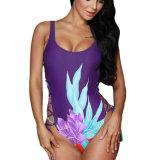 O lado floral da cópia ata acima um Swimsuit da parte