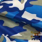 L'étiquette de Repreve a réutilisé le tissu estampé par sergé pour le vêtement ou le vêtement d'enfants
