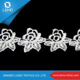 Lemoは白い伸張のレース、レースファブリック刺繍を卸し売りする