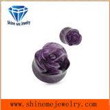 관통 Jewellry 보라빛 새겨진 꽃 돌 귀마개