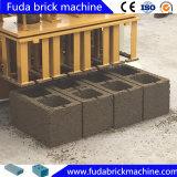 機械に移動式煉瓦作成機械をする空のブロック