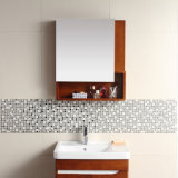 Governo di stanza da bagno moderno fissato al muro di legno solido di stile