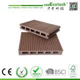Plancher en bois gris de patio de Decking composé bon marché chinois en plastique en bois synthétique d'étage