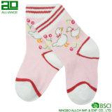 Оптовые милые носки младенца хлопка пинка младенца связанные изготовленный на заказ