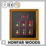 De Houten Omlijsting van het Frame van medailles voor de Decoratie van het Huis