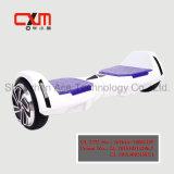 Neuer Rad-Selbst der Art-zwei, der elektrischen Roller balanciert