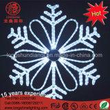 Luz decorativa ao ar livre do Natal ao ar livre do floco de neve do diodo emissor de luz 2D para a decoração dos eventos