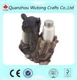 Les figurines décoratives à la maison d'ours refroidissent des supports de poivre de résine