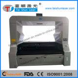 ファブリック革織物の切断のための大きいCCDレーザーの打抜き機