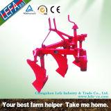 農場トラクターは3ポイントDitcherの溝のすきを機械で造る