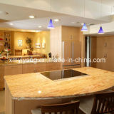 Kitchen /Bathroom (YQC-GC1003)のための普及したGold Granite Countertop
