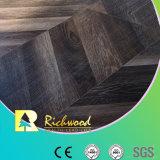 ヨーロッパ式の寄木細工の床のHDFによって薄板にされるフロアーリング