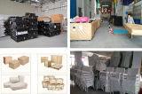 屋外PVC藤の家具のResturanの柳細工のテラス椅子および表