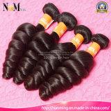 ローザのヘアケア製品は4束波のブラジルかペルーまたはマレーシアのバージンの毛の100%年のRemyの人間の毛髪の織り方を緩める