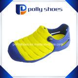 El nuevo deslizador EVA de EVA de los niños del diseño estorba el zapato