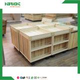 Crémaillère en bois de présentoir d'aménagement de légume et de fruit de supermarché