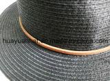 Sombreros de papel negros pausados del safari