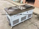O aço inoxidável comercial duas bandejas lisas fritou a máquina do gelado